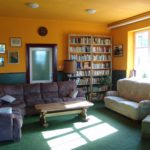 Salonek s knihovnou